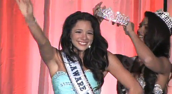 55141-melissa-king-crowned-miss-teen-delaware