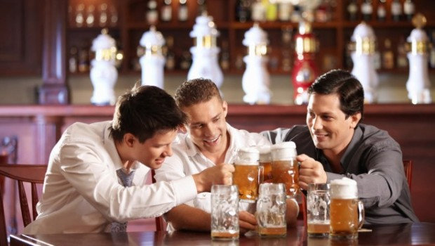 men-drinking-beer