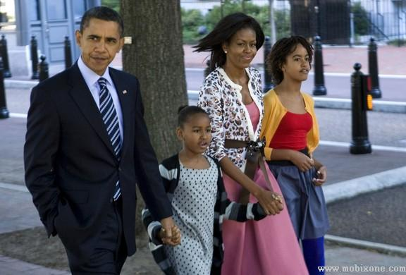 President Obama And Family Attend Church