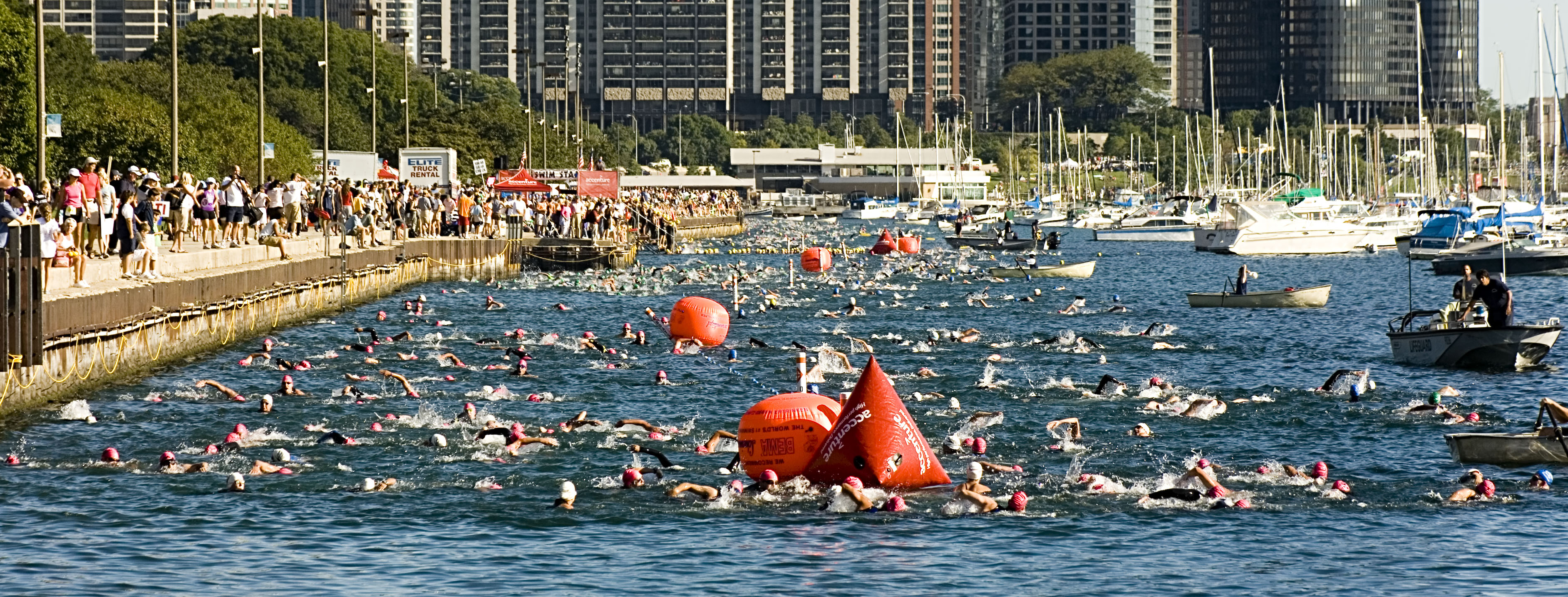 KM_5939_triathlon_swimmers