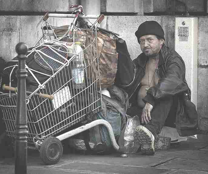 Poverty_homeless_french_man_shopping_trolley-1-