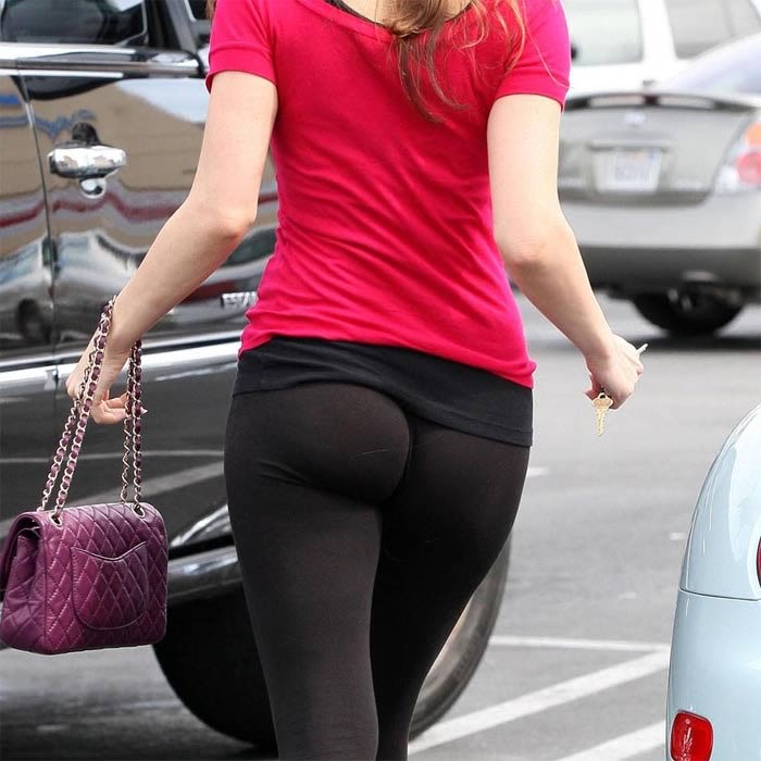 leggings ass crack