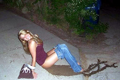 drunk-girl-pee-smile-456a110907_zps51a6fc50