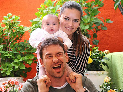 adriana-lima-marko-jaric-daughter--large-msg-135613736911