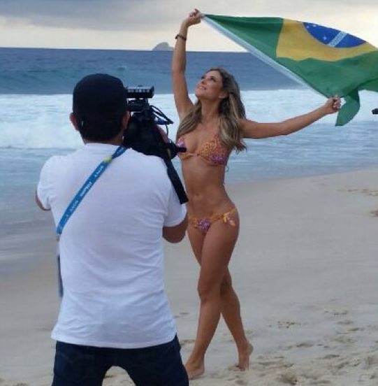 world-cup-female-reporter-vane-hupp-pic