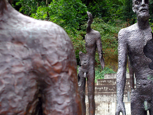 victims of communism close up - middle figures