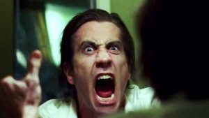 nightcrawler-2014-movie-review-louis-bloom-screaming-in-mirror-jake-gyllenhaal