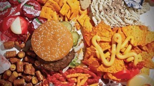 Eating-junk-food-makes-a-bad-mood-worse-Study_strict_xxl