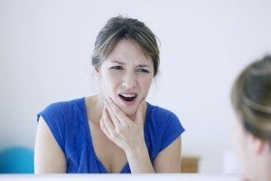 woman-with-chronic-jaw-pain