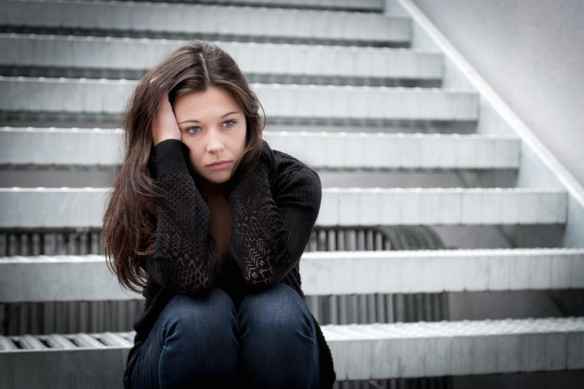 adolescence and low self esteem In a recent study, it was found that adolescents who experienced a decrease in self-esteem experienced more symptoms of depression both in adolescence, and in their thirties, supporting the notion that low self-esteem as well as decreases i.
