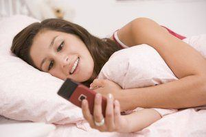 5 Mistakes That Most Guys Make When Trying To Text Message A Girl