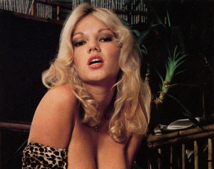 Brigitte lahaie return of the widows 1979 sc4 8